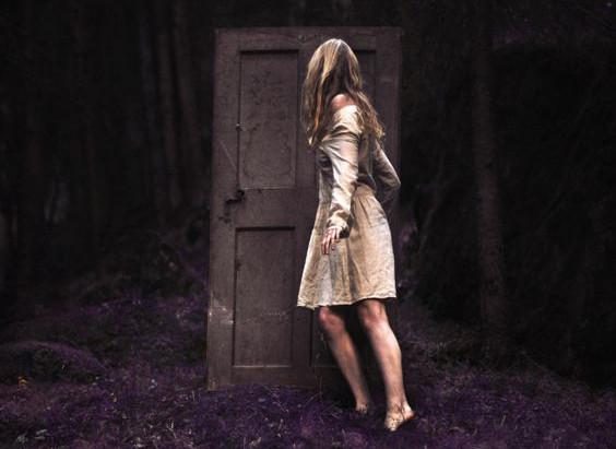 """Resenha: """"De Volta Para Casa"""" (Crianças Desajustadas vol. 1), de Seanan McGuire"""