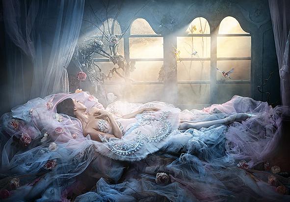 """Resenha: """"O Enigma da Adormecida"""" (Crônicas do Reino do Portal vol. 1), de Simone O. Marques"""
