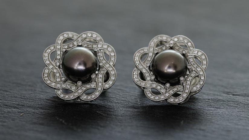 Errings Tahitian Pearls.jpg