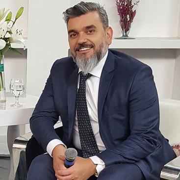 Dr Alessandro Azzoni em participação A T