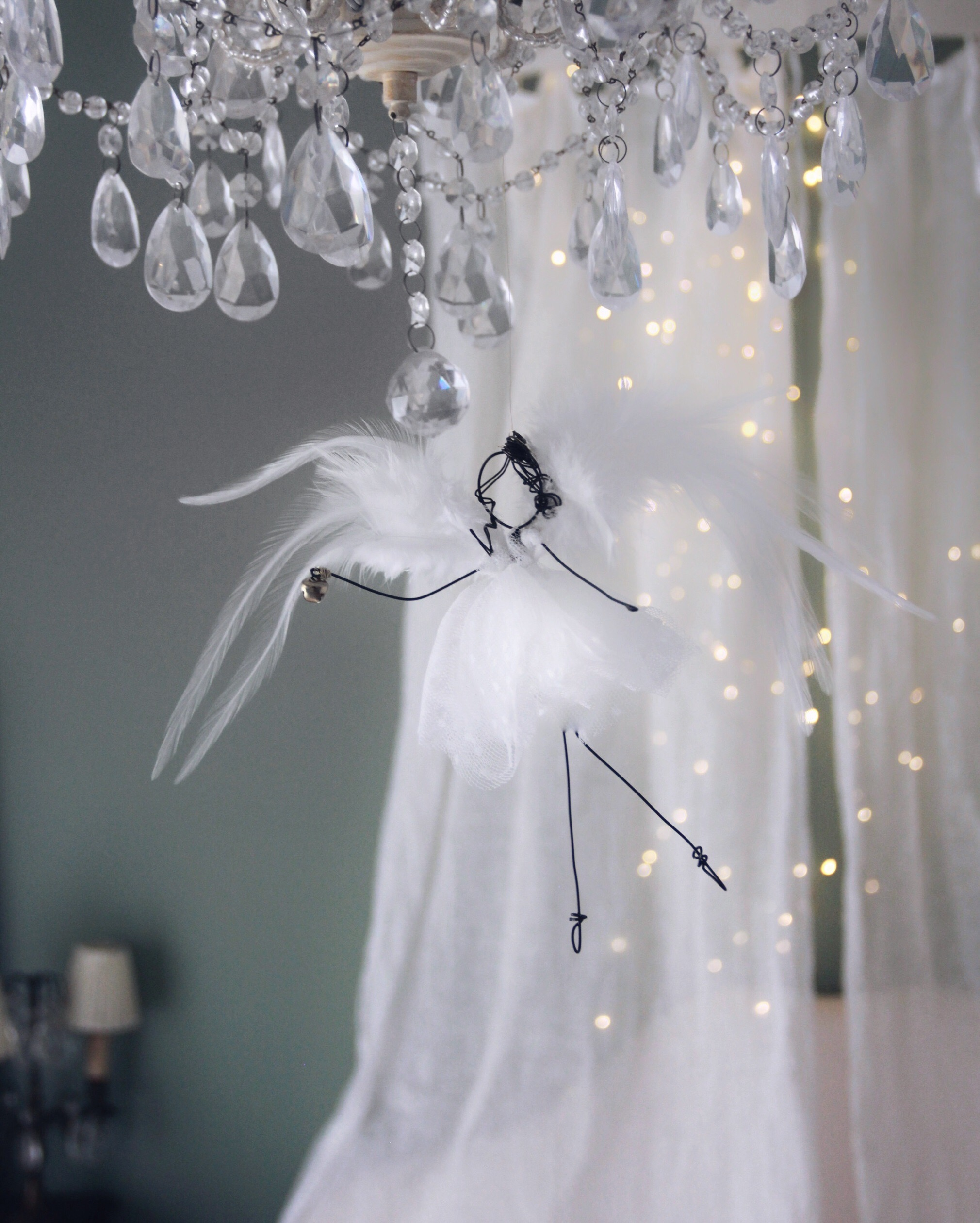 angelo piume bianco