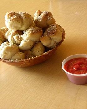 garlic knots3.jpg