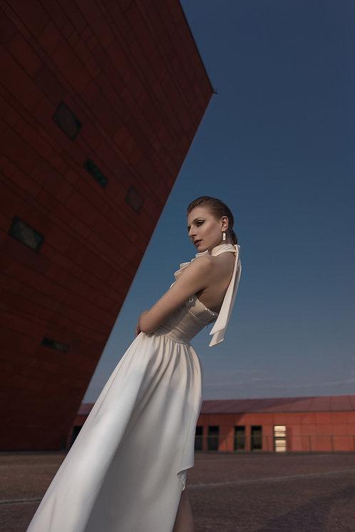 Asymetryczna Biała Sukienka