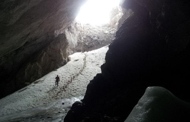 Sábado 19 > Peña Castil y su Cueva de Hielo