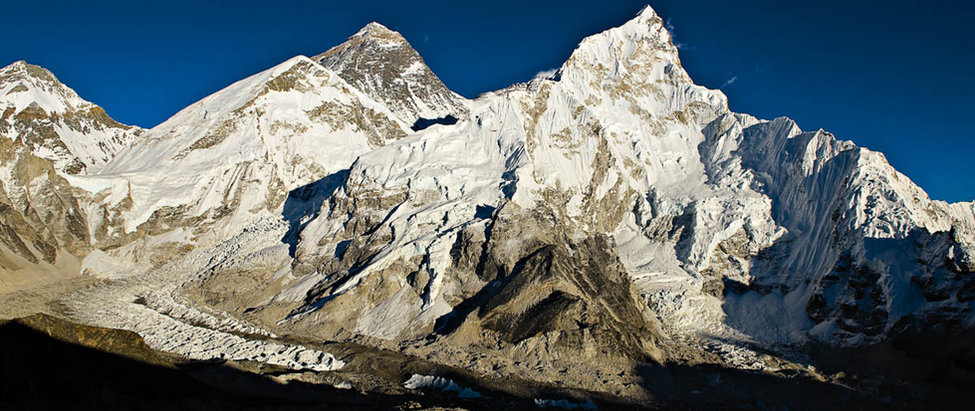 Sábado 4 > Campo Base del Everest