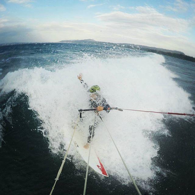 Kitesurfing in the okinawa waves. _Kite tour rent. _Iko instructor kite lessons . _Switch kite . _ww