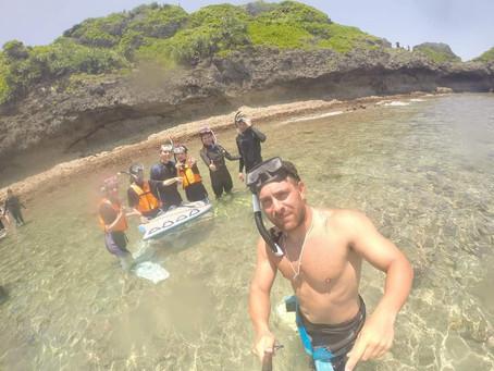 Kiteboarding surfing okiwana