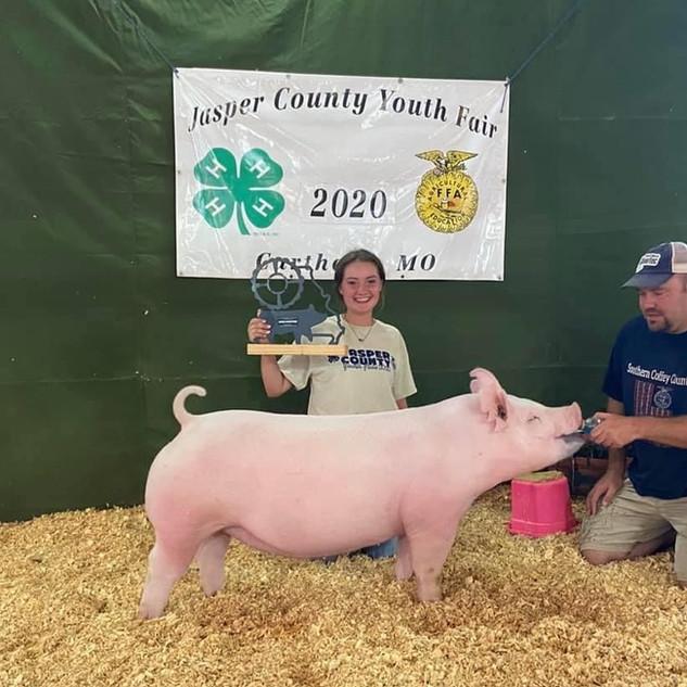 Evie Gilbreath  Jasper County Youth Fair Supreme Overall Gilt
