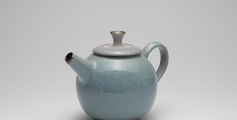 Six cup Teapot