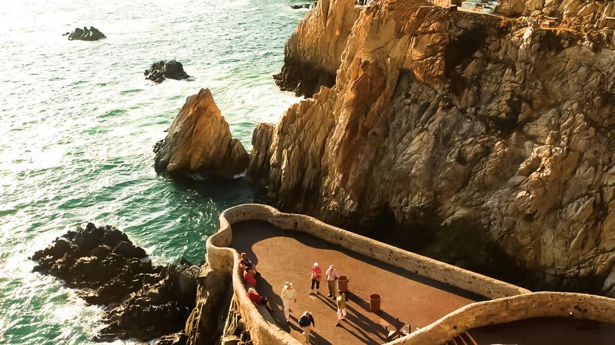 La_Quebrada,_Acapulco,_Guerrero_(2435088