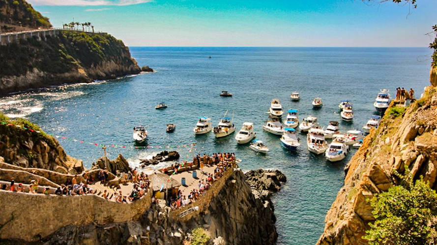 Acapulco - clavados de la quebrada.jpg