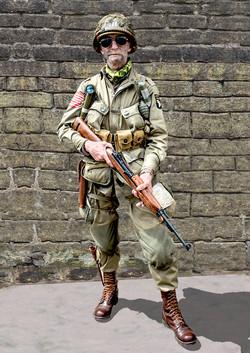 Colour-03-US Airborne-Alex Watson