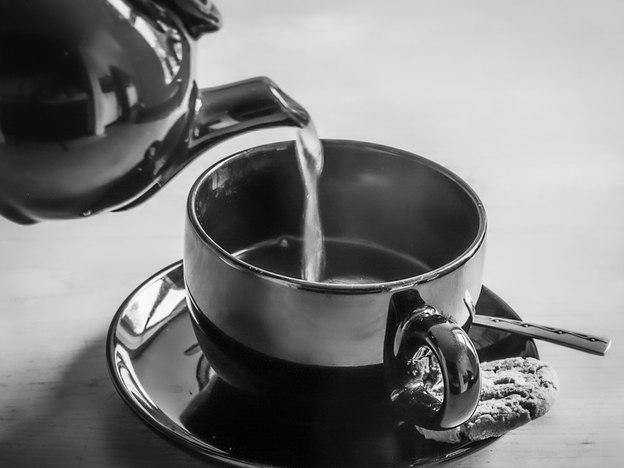 01;Christine Reynolds;A Nice Cup of Tea.