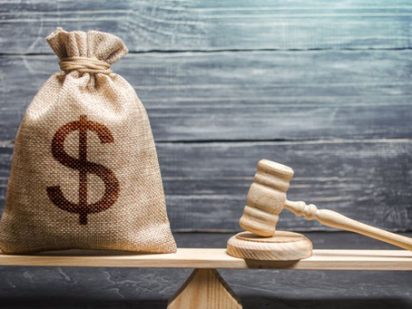 Quién debe asumir los honorarios de abogado en procesos ejecutivos iniciados contra morosos en P.H.