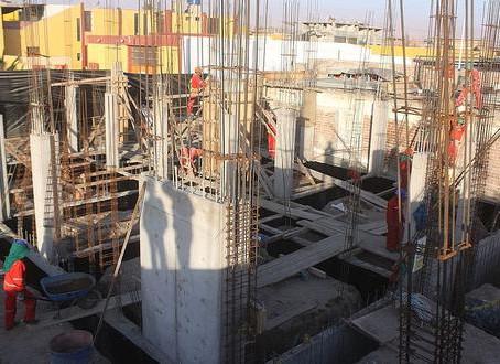 Responsabilidad extracontractual constructor que incumple con la Licencia de Construcción