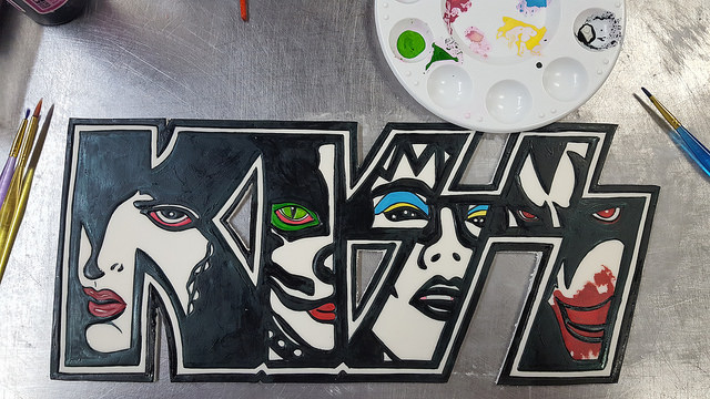 KISS plaque