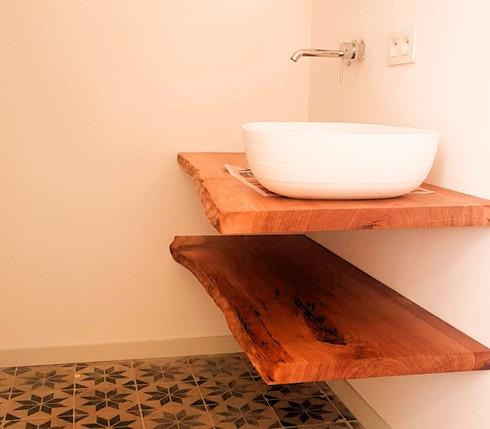Zwevende legplanken badkamer - massieve Franse eik