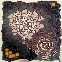 spira, tableau, création mosaïque, spirale, émaux de Briare, gris, sobre