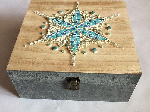 """Grande boîte avec décoration mosaïque """"Graines de Vie"""""""