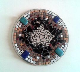 Vibration,tableau création mosaïque, lapis-lazuli, turquoise, terres cuites émaillées, miroir rond