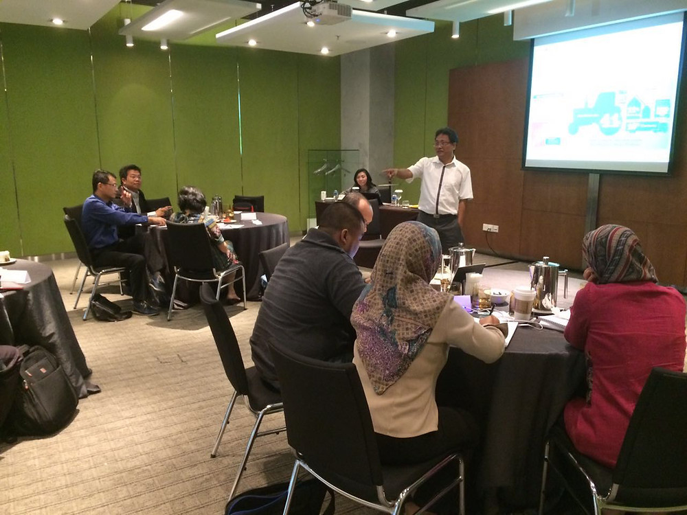 Dr. Edi Iswanto was explaining about the driver of LCA.