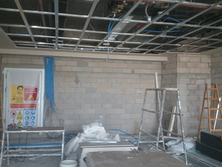 MAHALL Ankara F Blok 02 nolu Ofis şantiyesinde Asma Tavan imalatı ve Duvar imalatı devam ediyor.