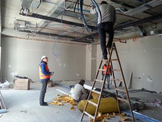 Mahall Ankara E Blok 63 nolu Ofisi şantiyesinde Havalandırma tesisatı ana hatlarının montajı tamamla