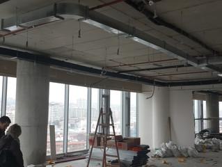 BESA Kule 11. Kat PREFI Ofisi şantiyesinde Havalandırma tesisatı ana hatlarının montajı tamamlandı.