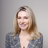 Margaret Zanel Headshot 2020.jpg