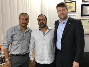 Gustavo Tutuca recebe reivindicações de Areal junto ao Governo do Estado
