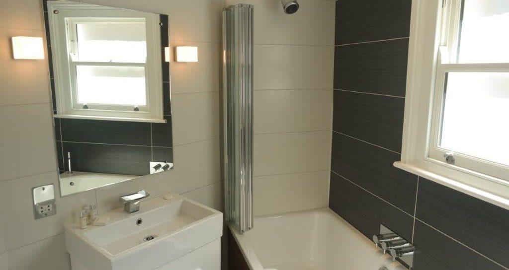 LS-Bathroom-3-1024x544