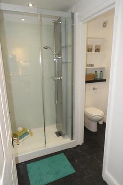 Kinedo shower