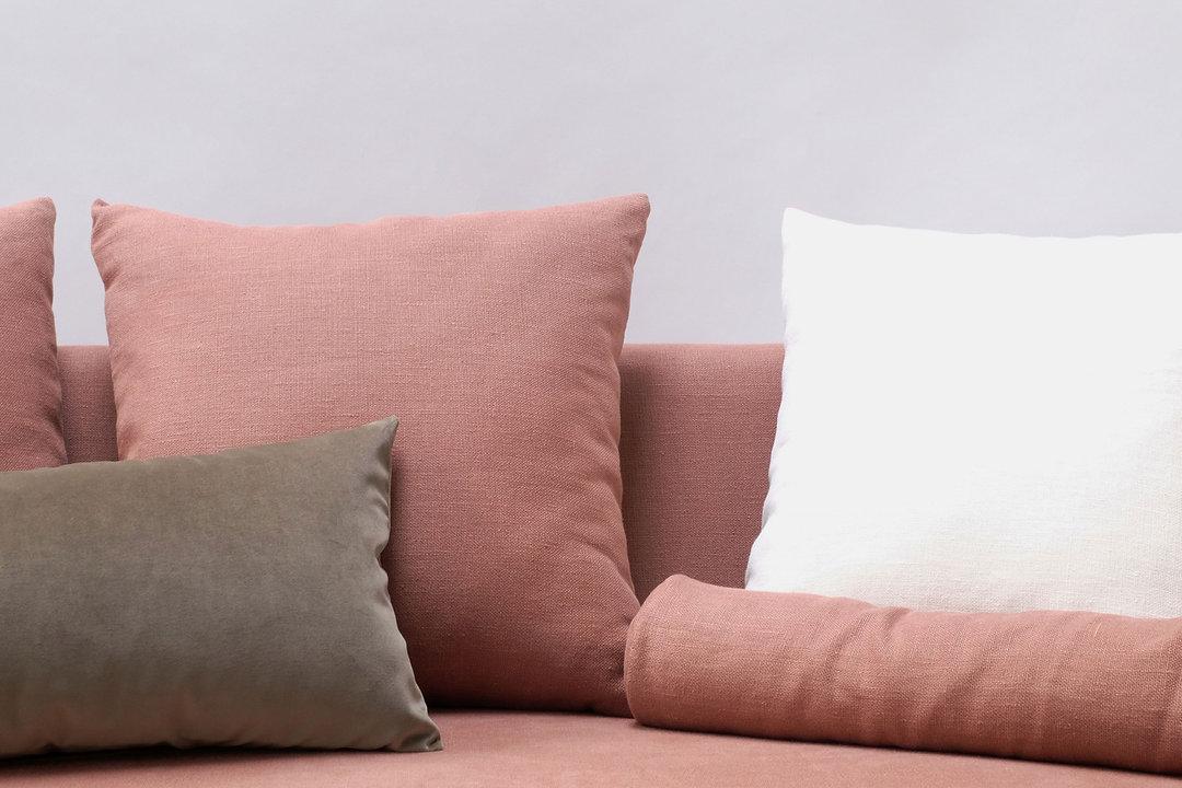 All-natural decorative cushions and bols