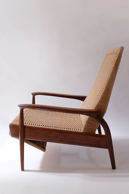 Mid Century Modern Reclining Lounge Chai