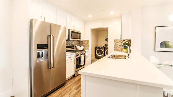 White Shaker Apartment Kitchen