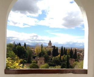 Alhambra e iglesia desde Generalife.jpg