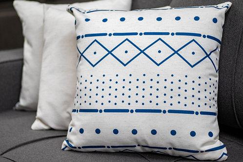 Almofada com detalhe em azul
