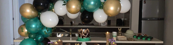 Rumble in the Jungle themed Balloon Garland