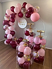 Balloon Garland, Plinths and Mesh Wall