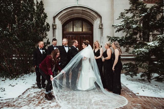 Wedding Photographer michigan wedding coordinator