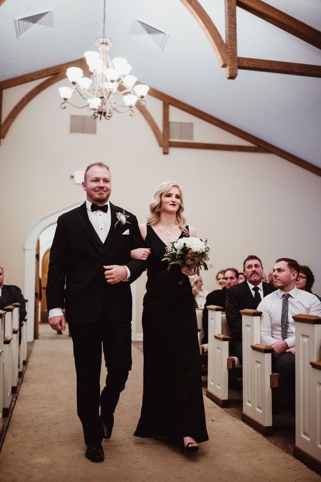 bridesmaid groomsman michigan wedding coordinator