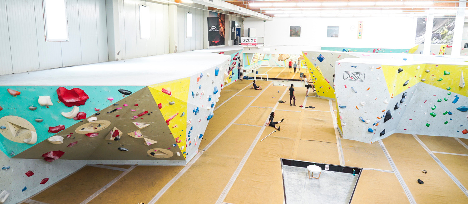 Boulderhalle Blockhaus_Wettkampfwand.jpg