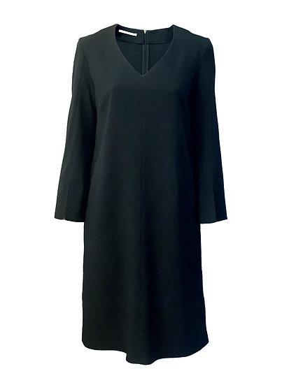 Kleid mit Schlitzen
