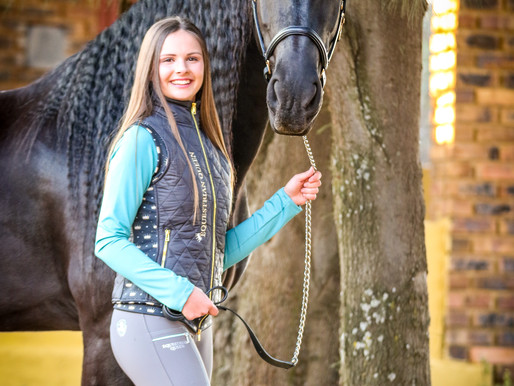 A LOOK FIT FOR ROYALTY: EQUESTRIAN QUEEN