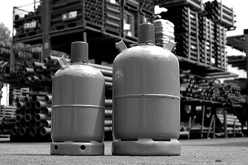 gas-bottle-1750491__340_edited.jpg
