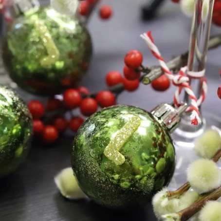 HOLLY JOLLY WEDNESDAYS - Bauble Drink Rings & Jacks Perfect French Martini