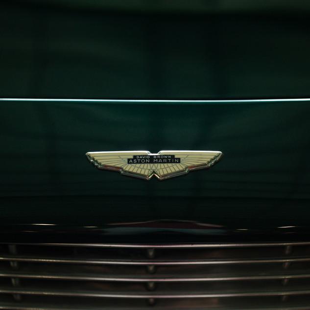 Aston Martin DB6-18.jpg