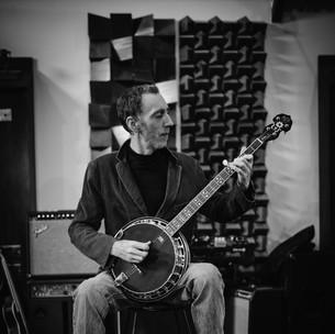 geoff banjo.jpg
