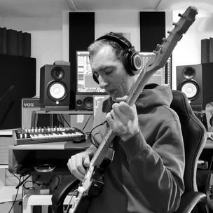 Geoff Studio guitar Cropped.jpg