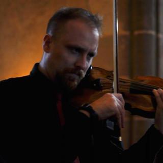 Greg Eaton - Violin